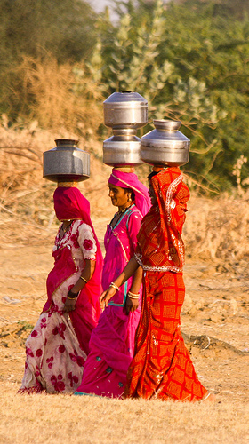 Women carrying water in Jaisalmer
